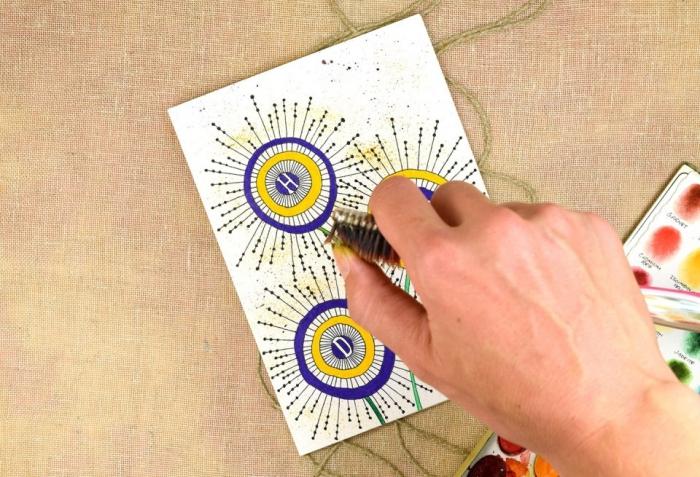 jolie carte bonne fête à motifs floraux graphiques dessinés à la main en jaune et bleu, idée de carte de voeux personnalisée à faire soi même