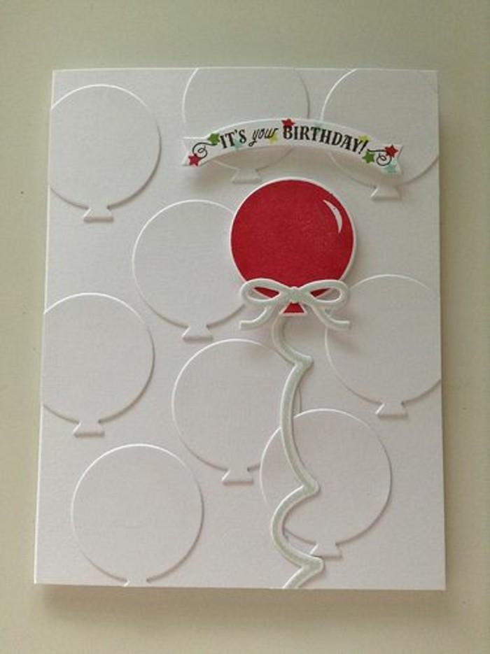 jolie carte fête d'anniversaire en papier embossé à motifs ballons décorée d'une banderole scrapbooking joyeux anniversaire