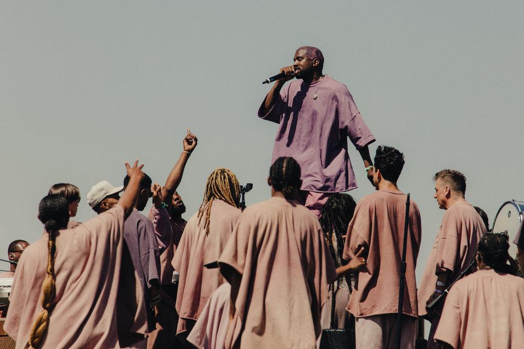 Kanye West a dévoilé le nouveau morceau Water lors de son live en forme de messe à Coachella