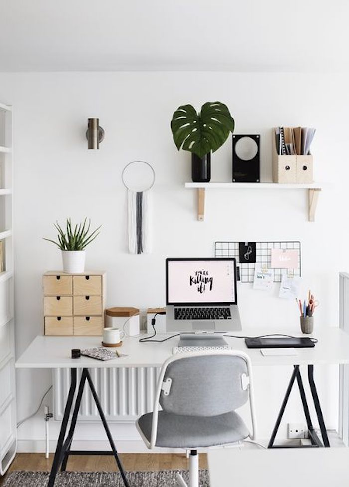 Coin bureau bien aménagé, style scandinave blanc et détails verts et bois, belle chambre 9m2, idée rangement chambre, design d'intérieur