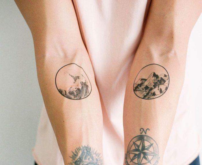 Rondes cadres pour les tatouages homme main, tatouage original, tatouage swag, idée comment se tatouer, choisir un dessin d'onde graphique et une montagne, compas tatouage voyage