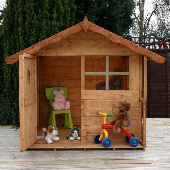 comment fabriquer une cabane de jardin enfant, étapes de construction maison bois pour jardin, exemple construction en bois