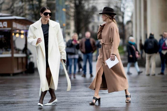 deux femmes avec longs manteaux, manteau long blanc et manteau beige en laine, mode printemps 2019
