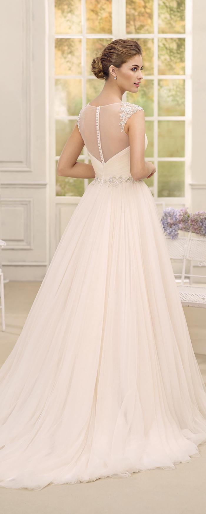 Robe rose longue, vivre sa conte de fées, merveilleuse robe de mariée longue en dentelle, dos tulle boutons perles