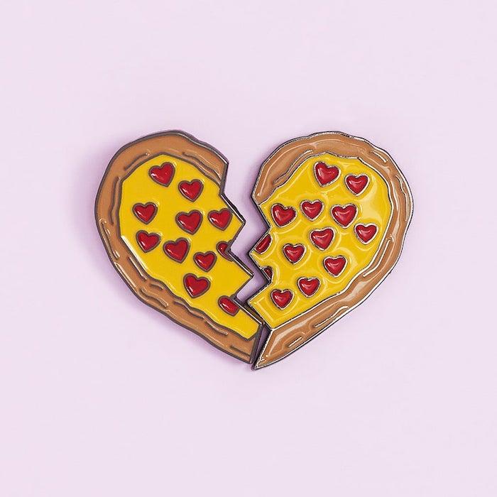 Pin pizza coeur, idée cadeau couple, choisir un cadeau pour couple, choix de cadeau pour les mariés