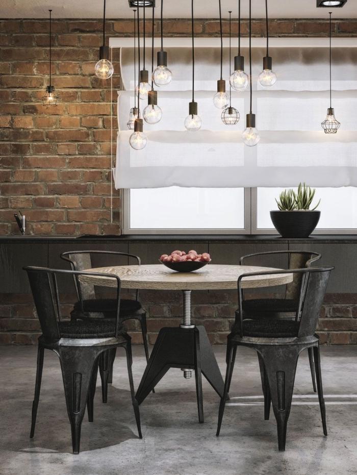 aménagement de salle à manger style industriel rustique, deco industrielle pas cher, éclairage ampoules à filament