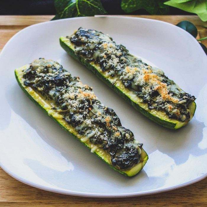 idee que faire avec des courgettes, recette de printemps avec de courgettes farcies des épinards et parmesan