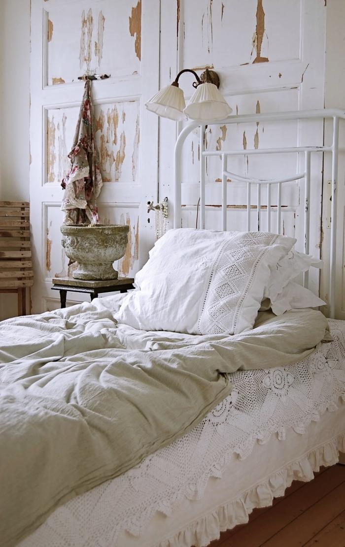 design intérieur de style vintage dans une petite chambre fille, que faire avec vielle porte, modèle tete de lit a faire soi meme