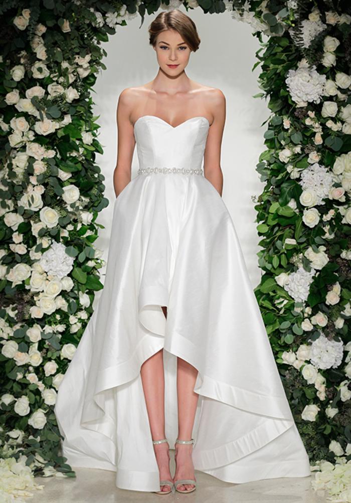 Robe courte devant longue derriere, robe de mariée princesse bustier, longue robe de soirée blanche