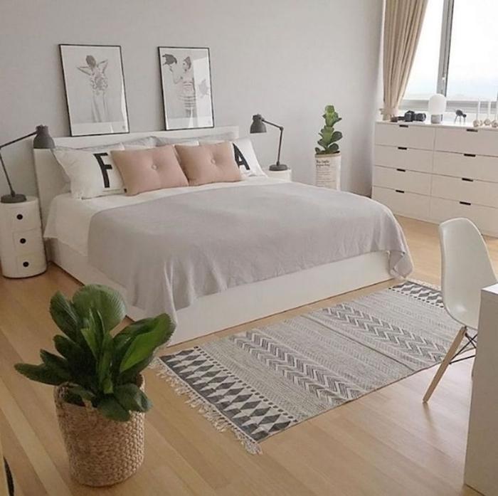 Lit double, tapis moderne style bohème, meuble de rangement, astuce rangement chambre ado ou adulte scandinave déco