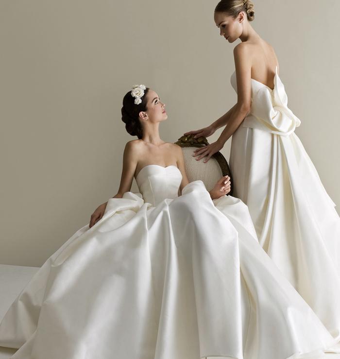 Deux mariées robes bustier épaules nues, robes de mariée princesse, robe de mariée bohème tendance 2019