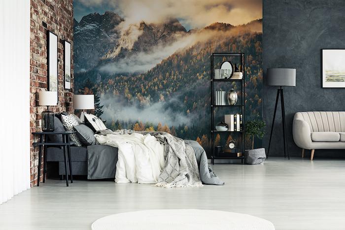 chambre à coucher en gris et blanc, decoration murale à l'aide d'un papier peint effet montagne dans le brouillard