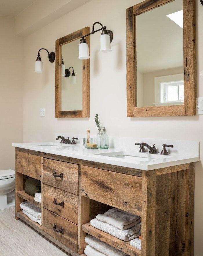 Inspiration deco salle de bain zen, salle de bain blanche et bois, deux miroirs et deux lavabos sur meuble rangement pour confort dans la salle de bains