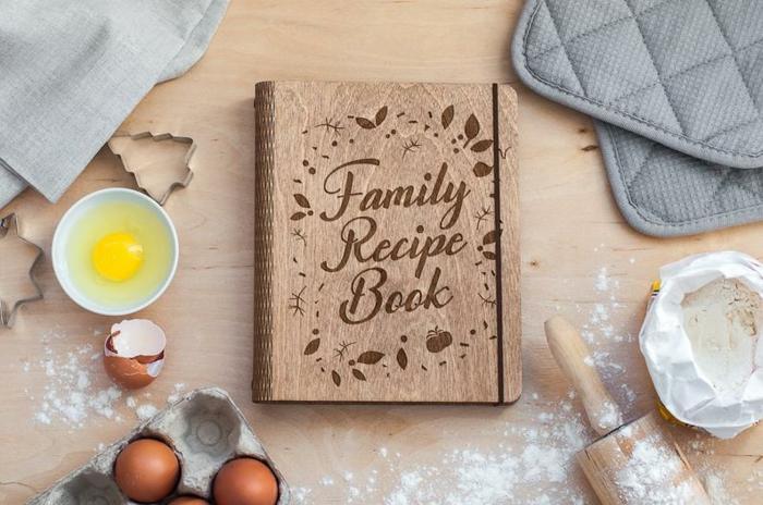 Livre de recettes bois, coffret cadeau couple, idée cadeau pour mariage prix bas original