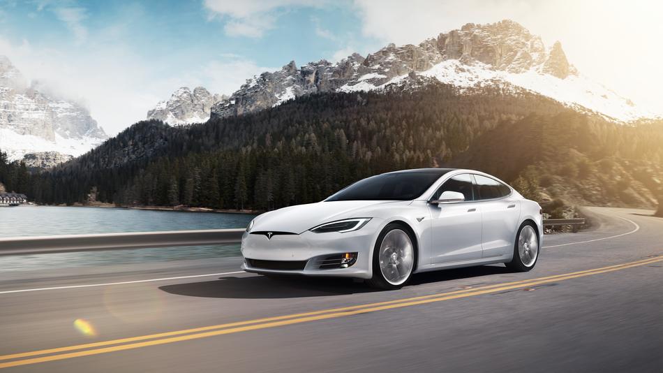 Tesla annonce le lancement d'une version Grande Autonomie de ses véhicules Model S et Model X