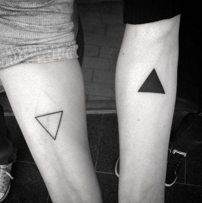 Tatouage pour couple, les triangles transperant et coloré, tatouage géométrique, tatouage dessin, la signification de mon tatou