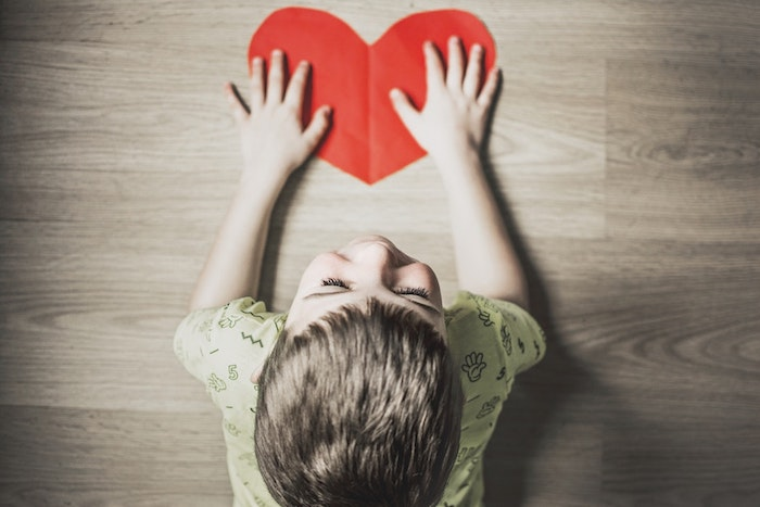 Enfant coeur carte, la plus belle photo de fleur bonne fete des meres, image fête des mères, diy carte pour sa mere