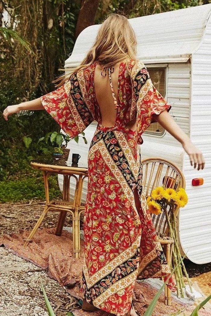 Dos nu, robe avec manches, robe longue hippie chic, robe longue été, idée comment s'habiller style hippie