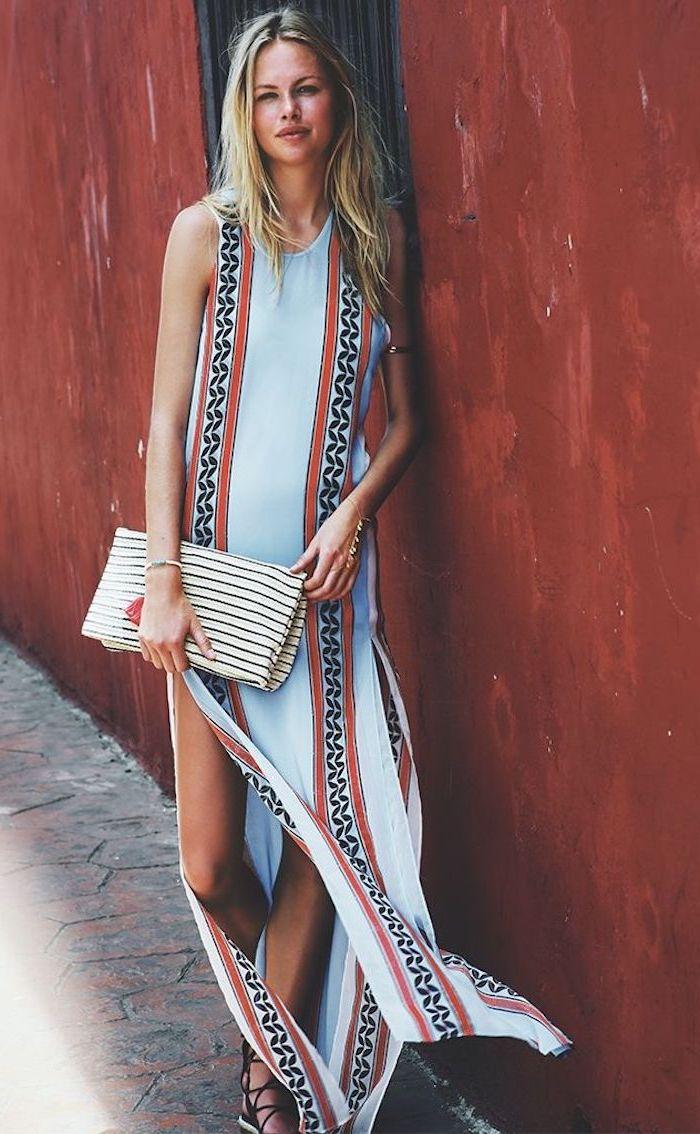 Longue robe fendue bleu claire à motif ethnique, grande pochette, robe longue ete, robe hippie chic, robe longue boheme chic