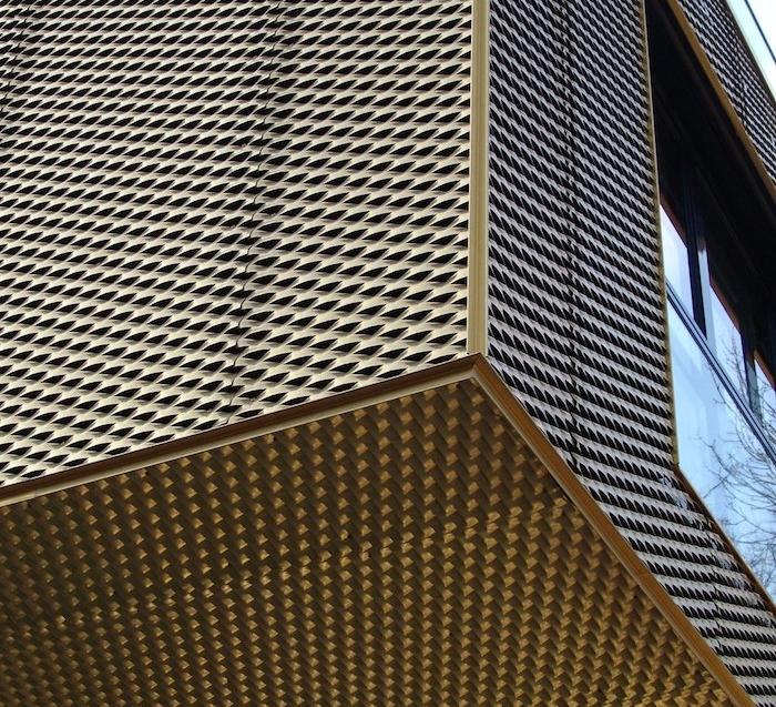 réaliser un beau bâtiment en métal déployé, idée utilisation métal dans la construction