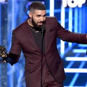 Drake est le grand gagnant des Billboard Music Awards 2019 et détrône Taylor Swift