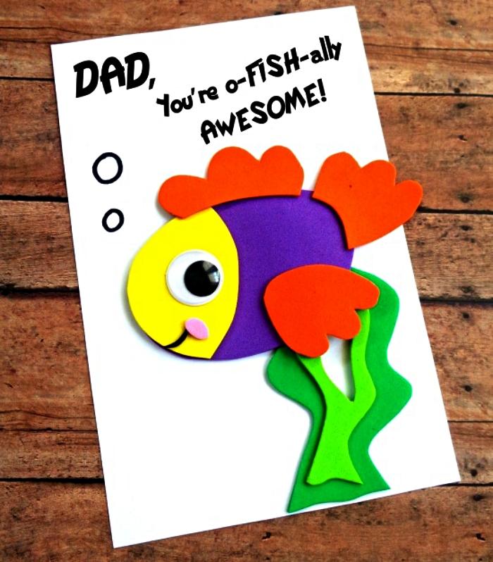 carte fête des pères avec poisson mignon en 3d et petit mot doux à offrir pour la fête des pères, idée de cadeau fête des pères à fabriquer 2 ans