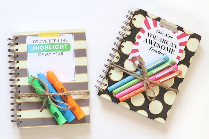 cahier agenda professeur coloré avec étiquette original et stylos et feutres, cadeau merci maitresse original
