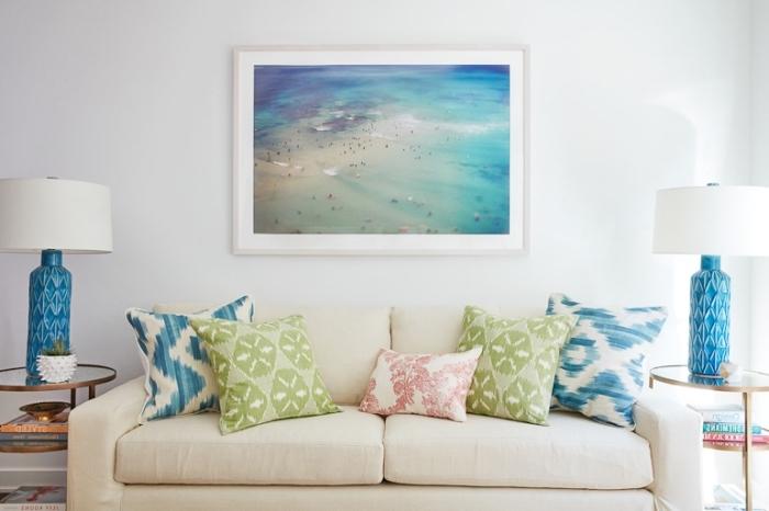 quelles couleurs pour une déco d'esprit marin, exemple de decoration theme mer a faire soi meme avec coussins