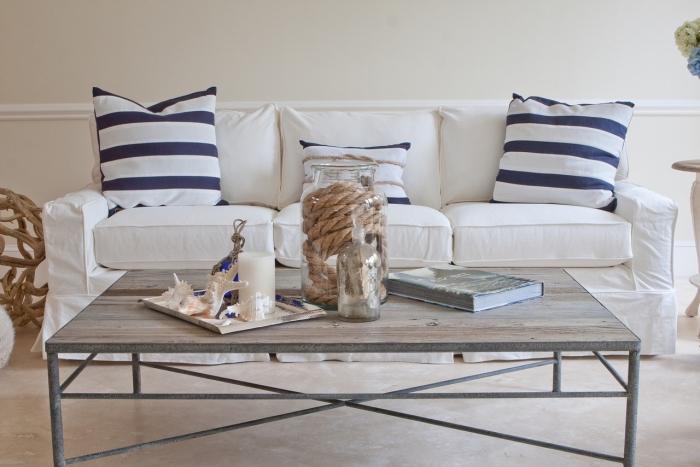 comment créer une deco mer dans un salon, modèle de table basse décorée avec objets aquatiques corde marine