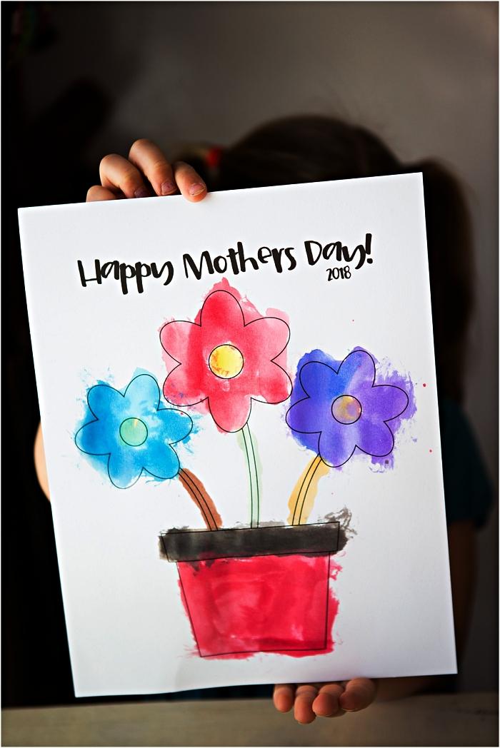 coloriage pot de fleur spécial à imprimer gratuitement, idée de bricolage fête des mères maternelle facile