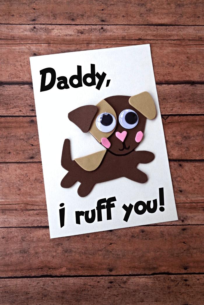 fabriquer une carte bébé chien en 3d à l'occasion de la fête des pères, bricolage fête des pères maternelle pour réaliser une carte de voeux personnalisée