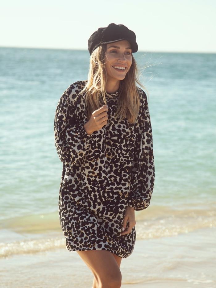 tendances imprimés animaliers mode femme été 2019, modèle de robe d'été femme courte aux manches longues