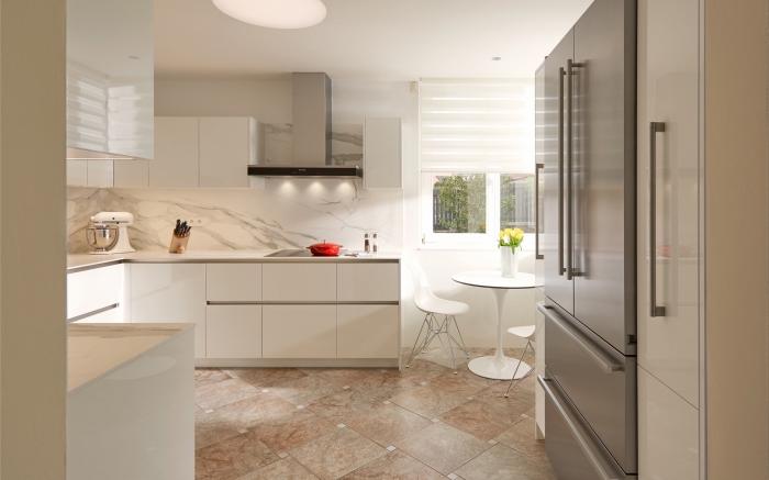 design intérieur luxueux avec crédence en marbre, modèle carreaux imitation pierre, idée hotte murale en inox et verre noir
