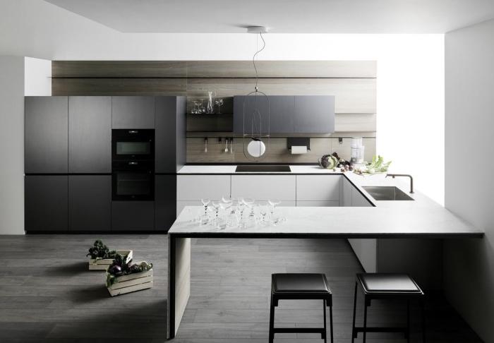 quelles couleurs pour une cuisine contemporaine, implantation cuisine ouverte et spacieuse en U avec îlot bar