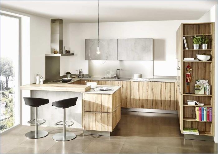 comment aménager une cuisine 10m2, modèle de cuisine blanc et bois avec accents en gris clair et noir mate