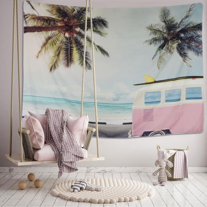 aménagement chambre à coucher d'enfant dans l'esprit de vacances, modèle tapisserie murale à design plage