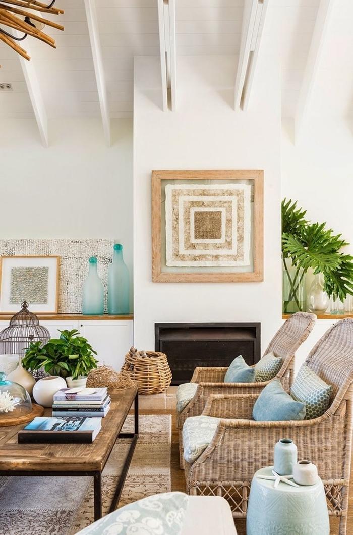 idée de decoration marine facile avec objets en fibre végétale, aménagement salon blanc avec meubles en bois clair