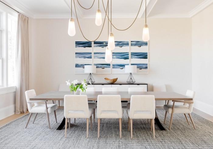 aménagement salle à manger beige et blanc avec meubles bois, idée decoration bord de mer pas cher avec panneaux muraux paysage océan