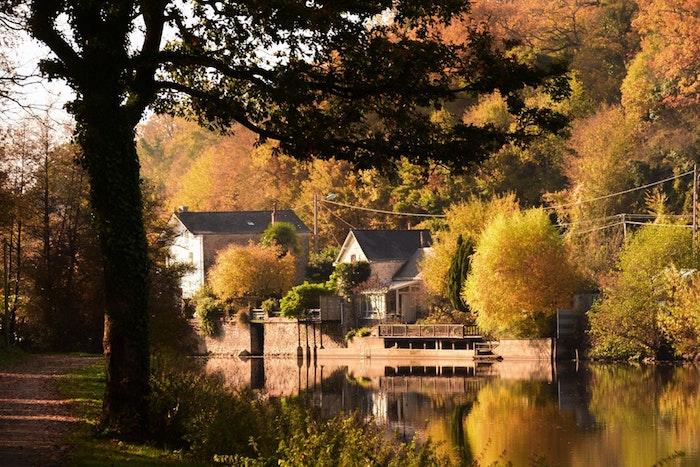 Automne fond d écran France paysage, le plus beau pays du monde, campagne francais, beauté de la vue, maison en pierres et rivière