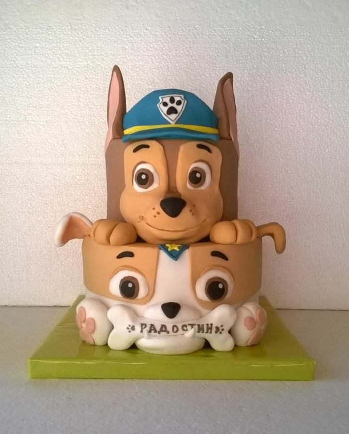 chien pat patrouille, étages de gâteau en forme de chien, gateau personnalisé design amusant