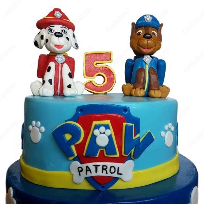 gâteau bleu original deco pat patrouille, anniversaire pat patrouille, deux chiens et logo