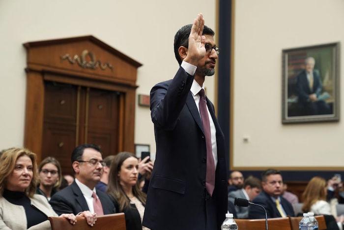 Le PDG de Google Sundar Pichai devant le congrès américain pour s'expliquer sur les pratiques trompeuses de Google quant au suivi des utilisateurs et le traitement des données