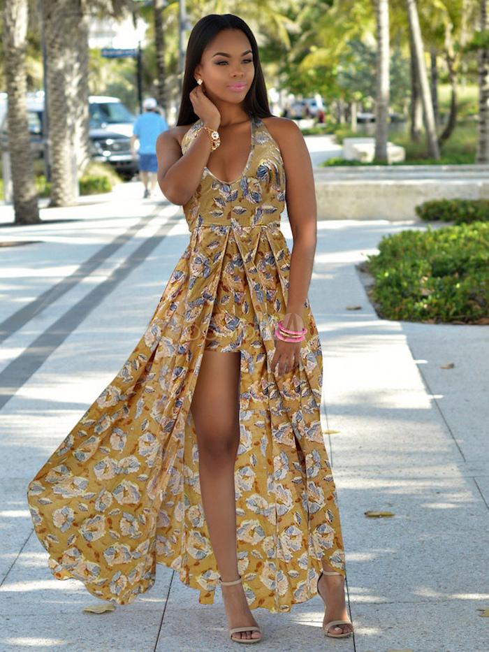 Femme en robe tendance, jupe évasée et pantalon court, tenue boheme chic, robe longue boheme chic, robe fluide femme,