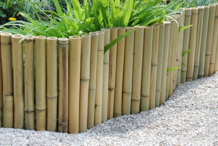amenagement jardin bordure haie bambou, gravier pour allée, déco de jardin paysager