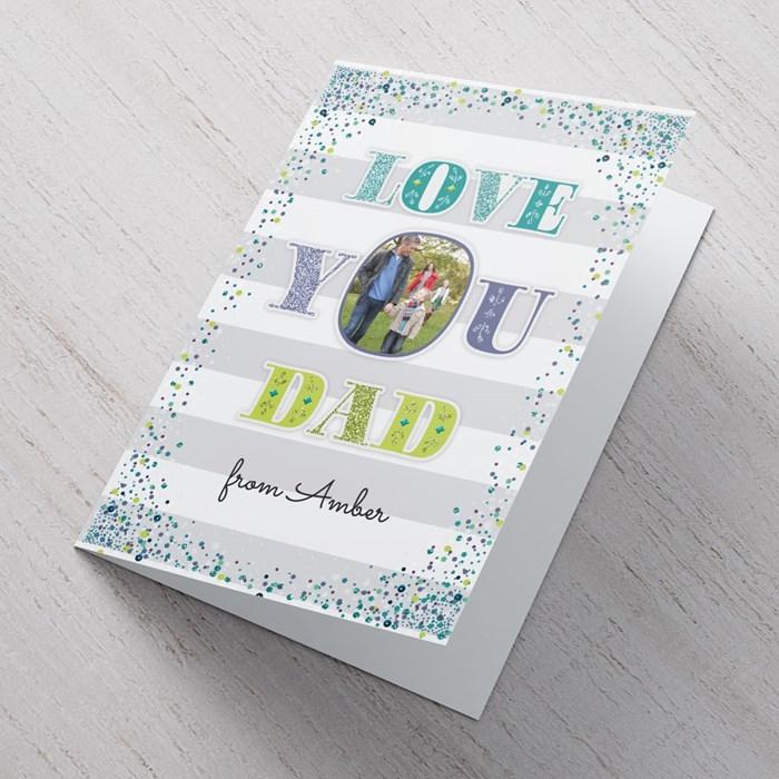 comment personnaliser une carte pour la fête des pères avec photo, exemple de carte diy avec lettres papa et photo