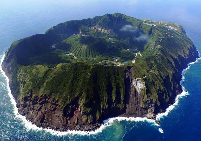 Ile volcanique au Japon, les plus beaux endroits de france, paysage instaperfect, image nature paysage