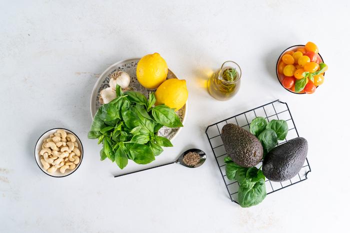 ingrédients nécessaires pour faire apéro dinatoire facile pour 10 personnes, recette pesto basilic avocat
