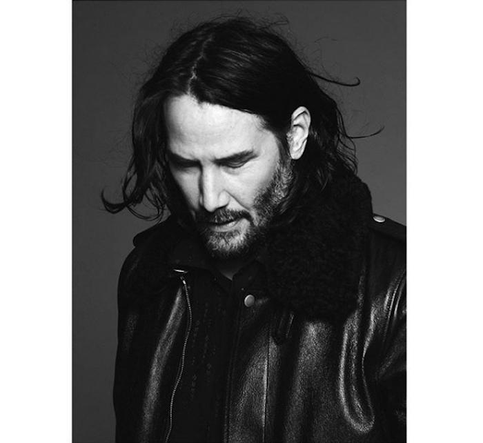 Le Directeur Artistique de Saint Laurent Anthony Vaccarello a choisi Keanu Reeves pour la collection fall winter 19, photographié par David Sims et posté sur Instagram