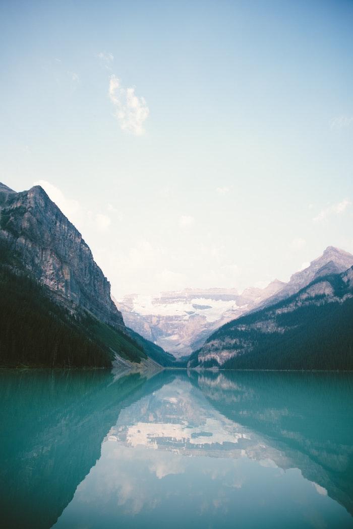 Canada lac et montagnes, les plus beaux paysages du monde, photographie insolite paysage, montagne enneigé