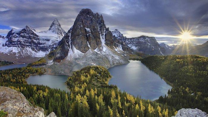 Montagnes enneigés, lac au coucher de soleil, les plus belles photos du monde, paysages de montagne ou de la mer